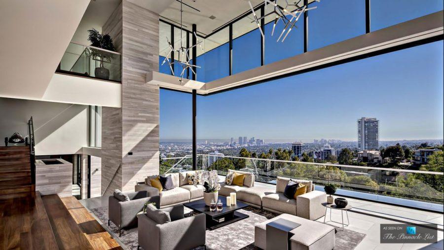 Indoor-outdoor living room