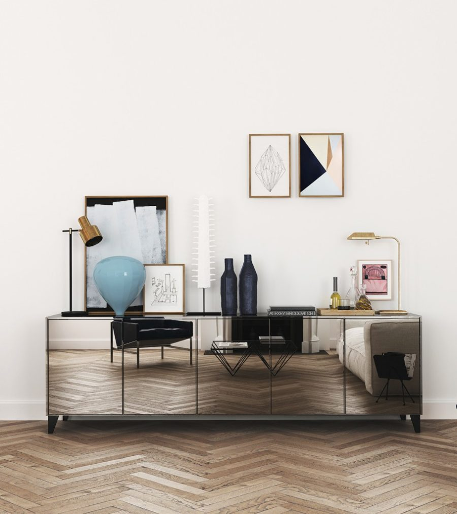 Katty Schiebeck used a mirrored console in a small apartment