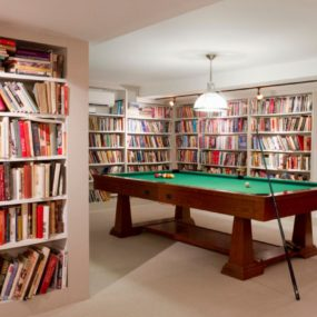 Keep in basement the book collection 285x285 Bright Basement Remodelling Ideas