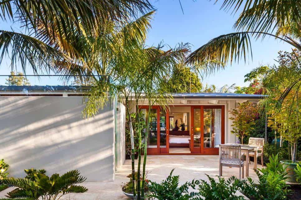Neumann-Mendro Andrulaitis Architects Butterfly Beach Villa Patio