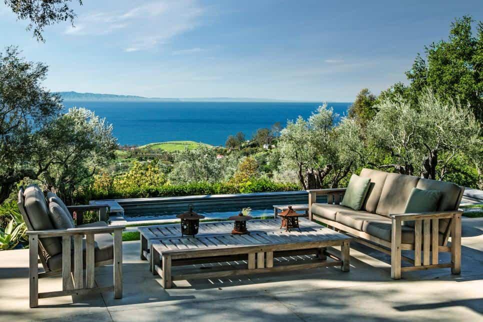 Patio overlooking the ocean