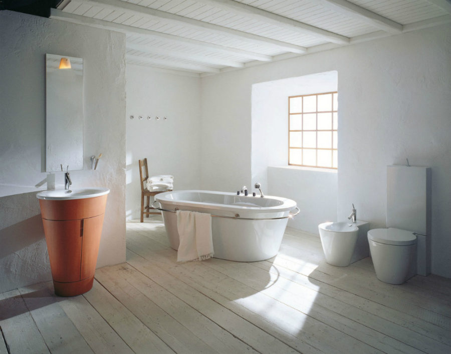 Philipe Starck's rustic modern bathroom decor