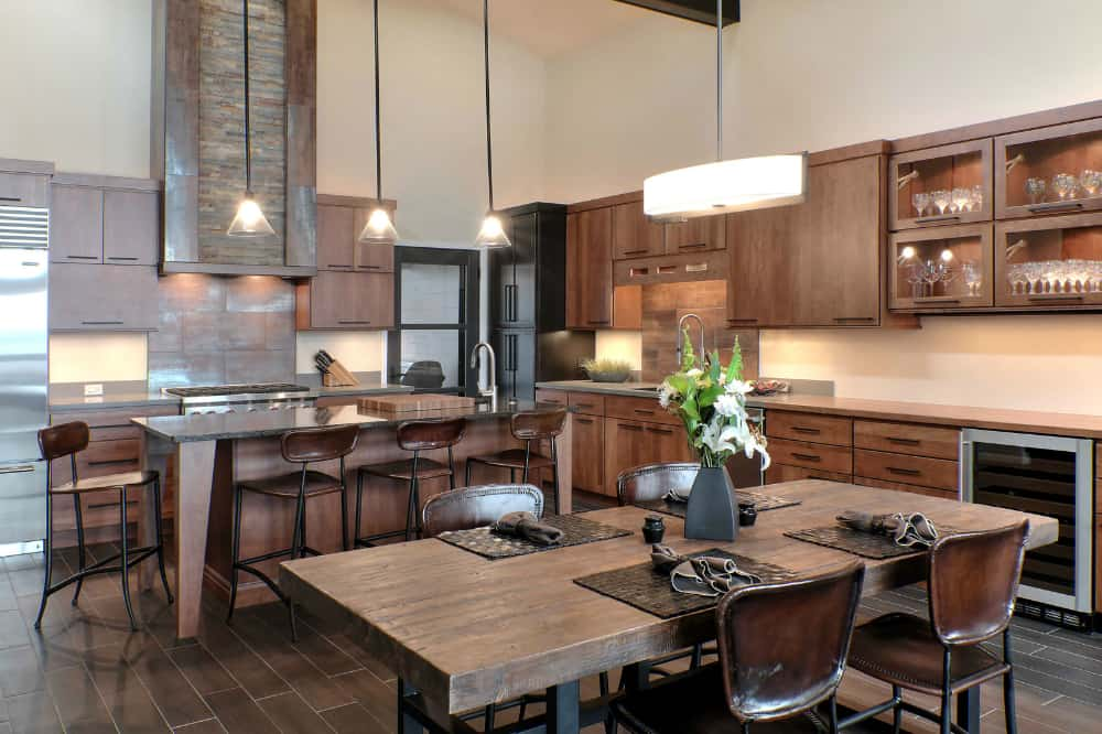 Rustic meets modern in a kitchen by Kitchen Choreography