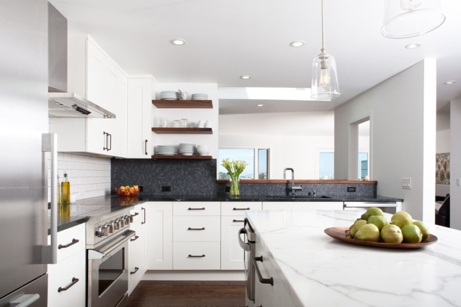 White rustic modern kitchen with a black backsplash