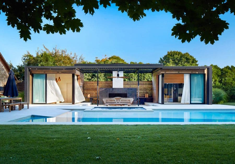 A modern pool house in Amagansett, NY designed by iCrave and pho
