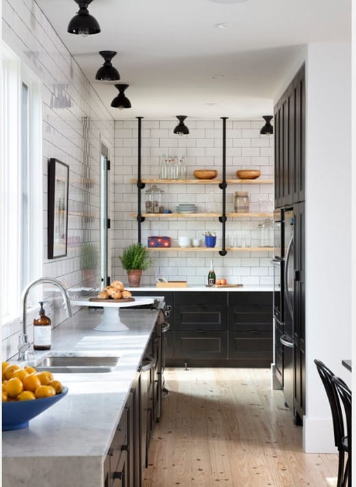 Black kitchen farmhouse design