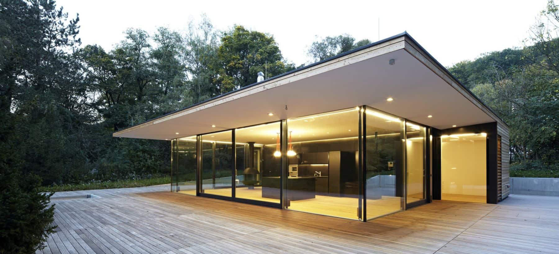 Casa Hainbach Glass House from MOOSMANN