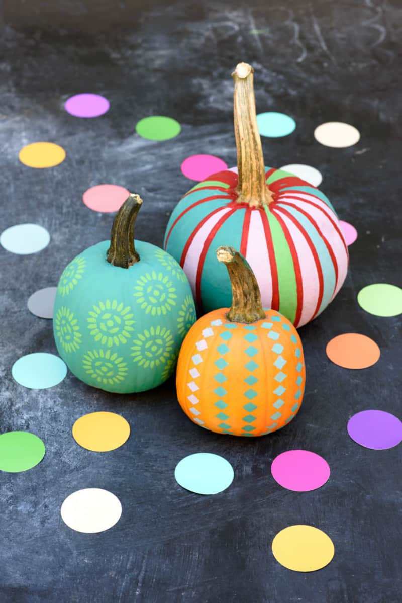 Chalk paint pumpkin decorating