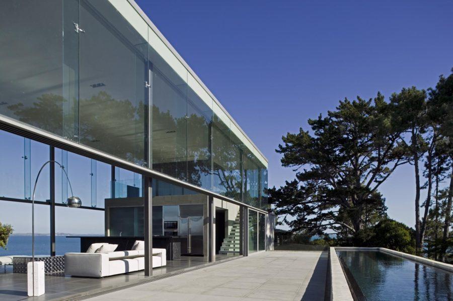 Contemporary Escape - Glass Wall