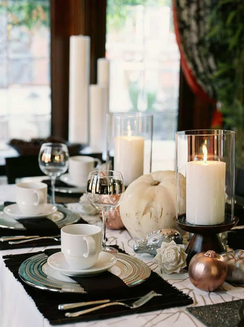 Contemporary fall table decor
