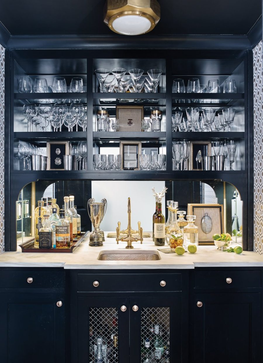 Dark home bar design