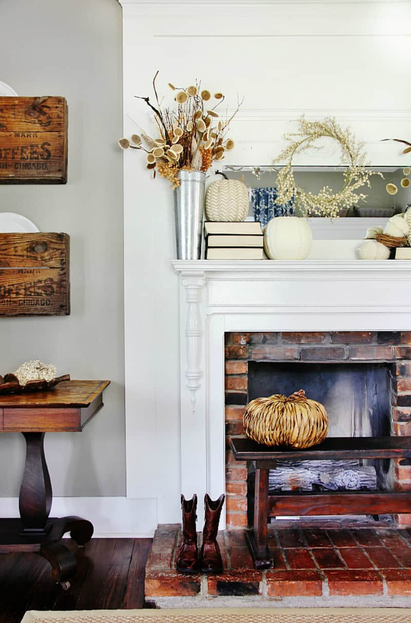 Gorgeous mantel fall decor