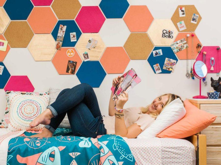 HGTV Crafternoon wall art idea for a dorm room