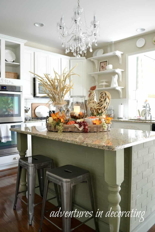 kitchen-island-fall-centerpiece
