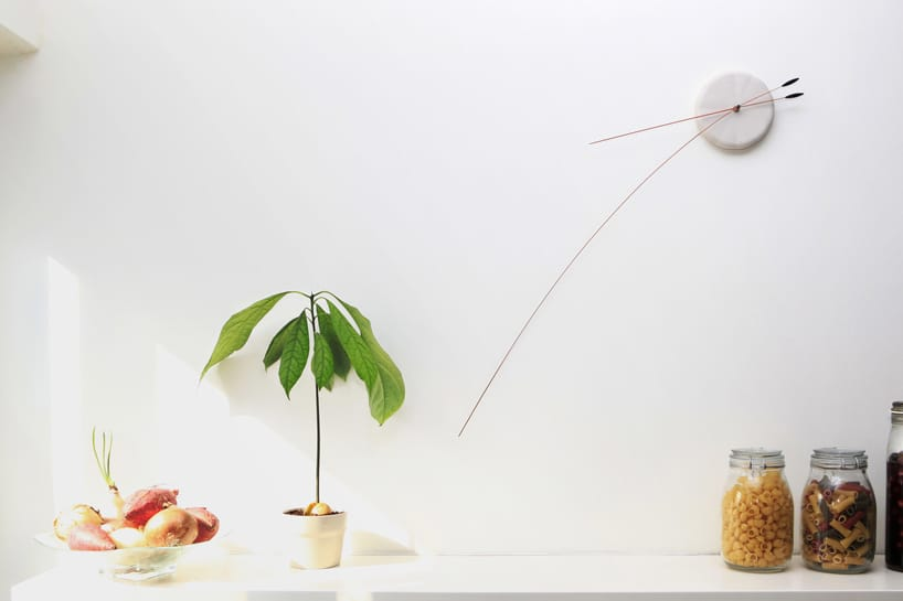 Lithe clock by Studio Ve