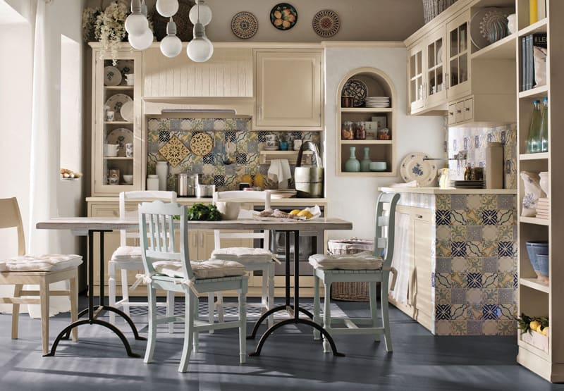 Martini Mobili kitchen in mediterrenean tiles