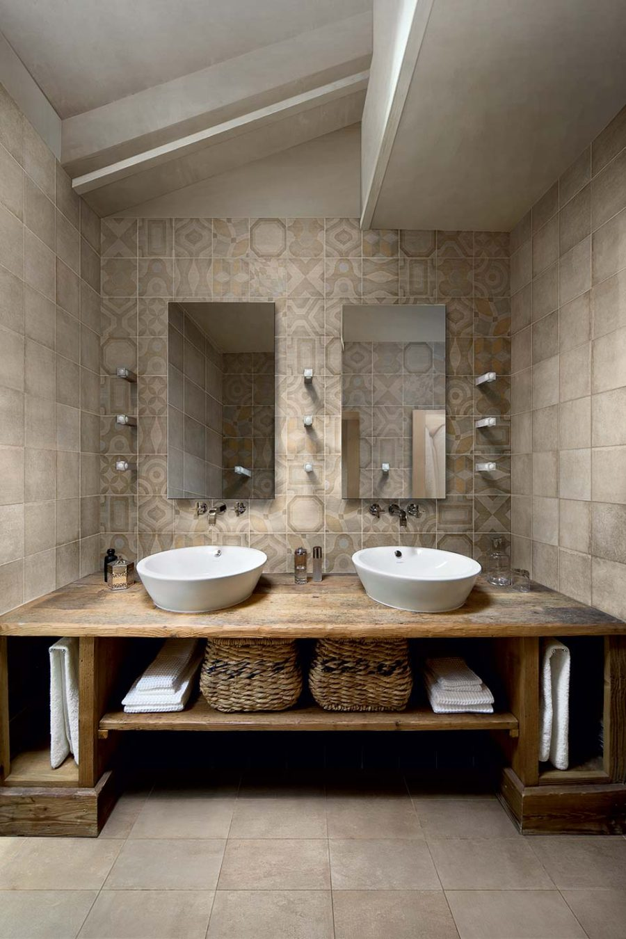 Memory of Cerim tiles in a bathroom
