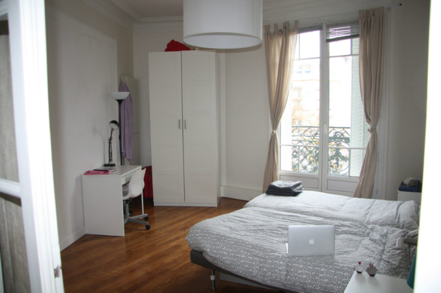 Merveilleux View In Gallery Minimal Modern Dorm Room 900x599 Smart And Stylish Modern  Dorm Rooms