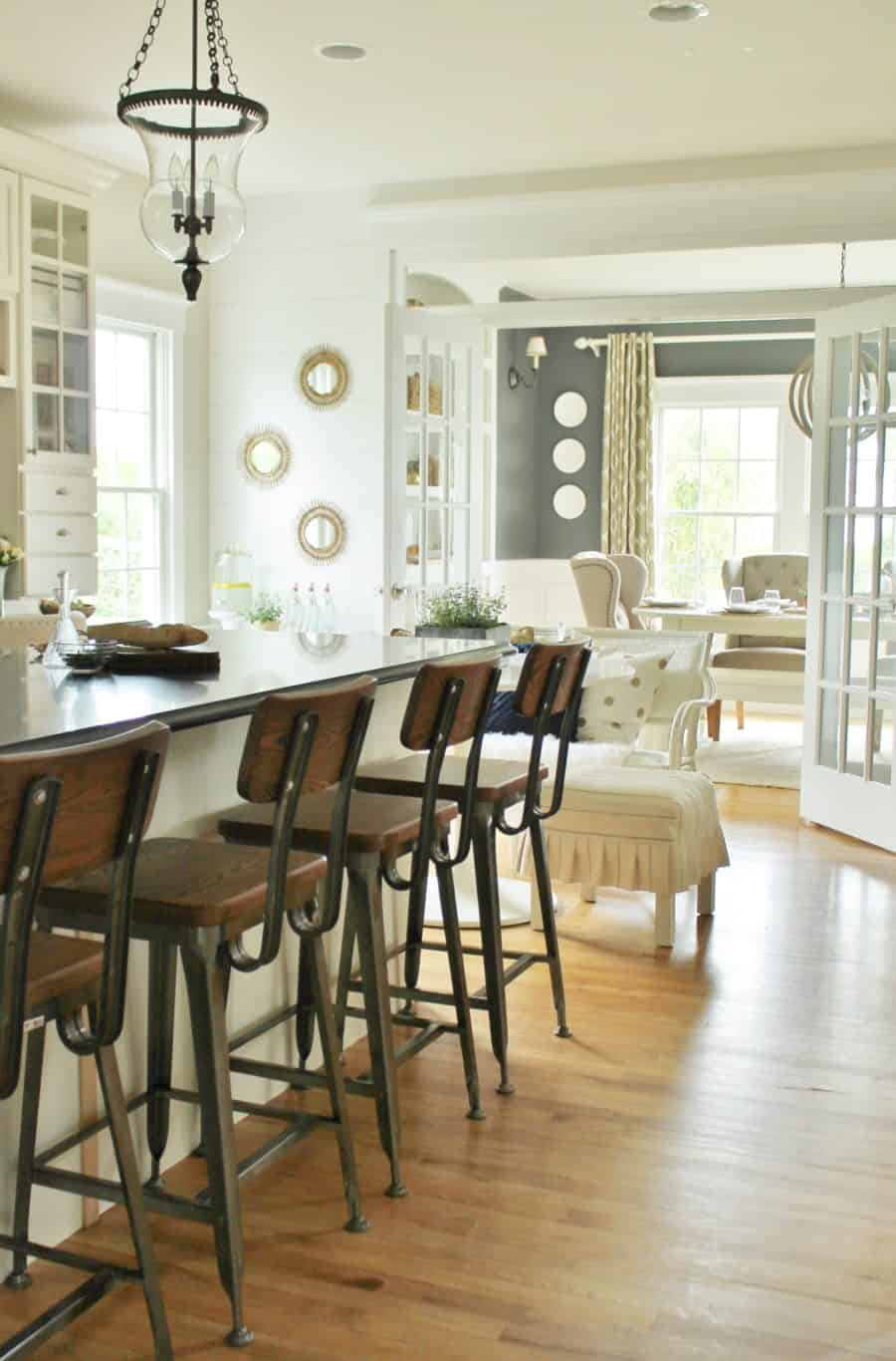 Neutral colors for farmhouse design