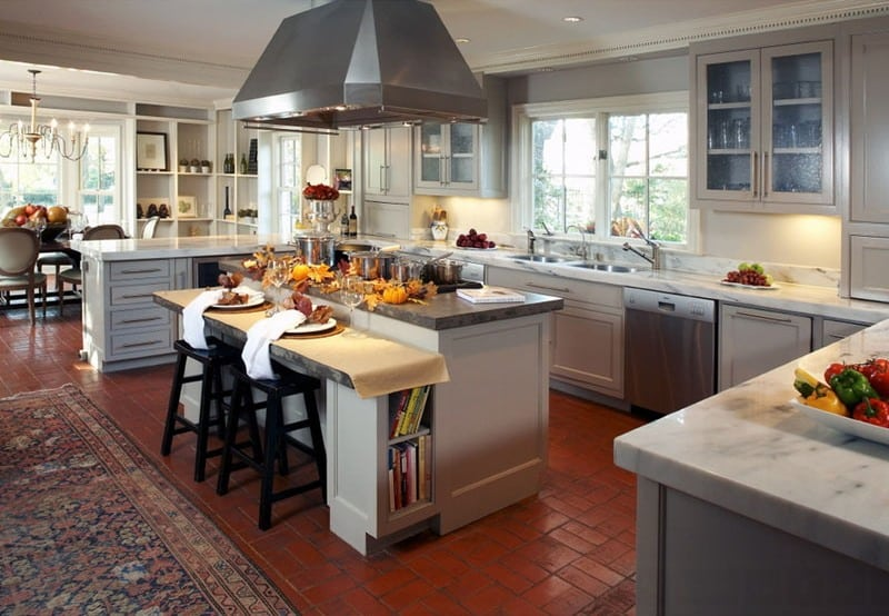open-plan-kitchen-decorated-for-fall