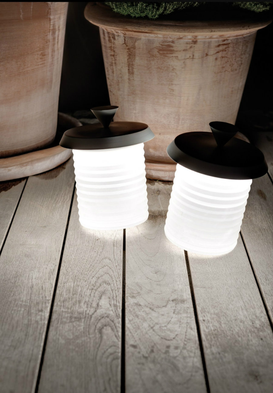 Picnic wireless lamps with rechargeable battery