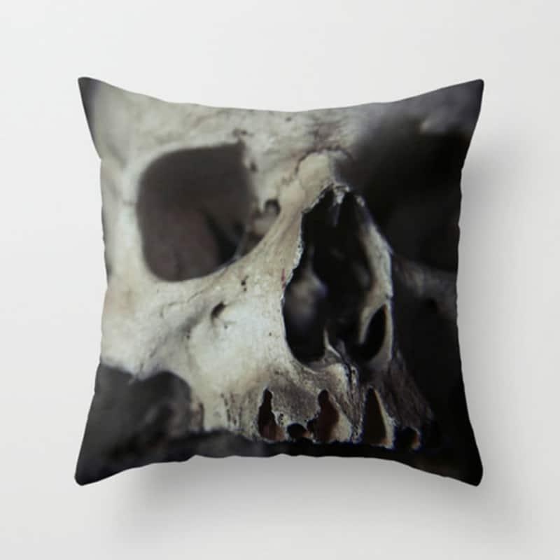 realistic-skull-pillow
