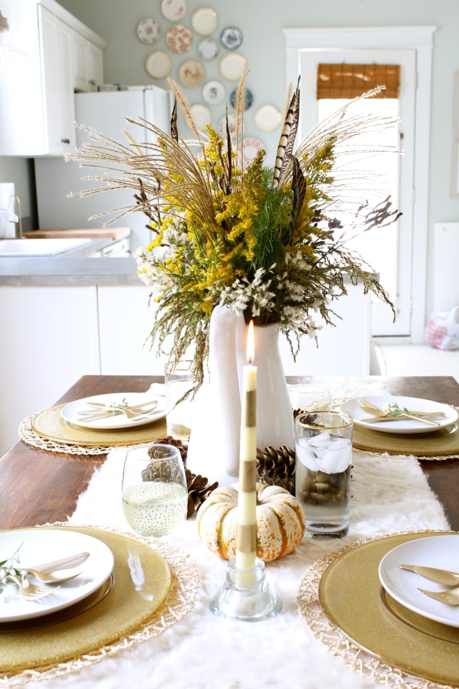 Gorgeous dining table fall decor ideas for every special for Simple dining room table decor