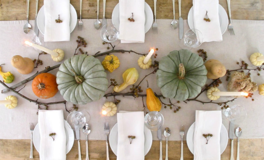 Simple fall dining table 900x545 Gorgeous Dining Table Fall Decor Ideas for Every Special Day in Your Life