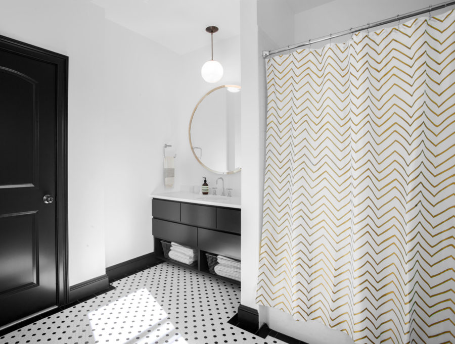 Simple patterns decorate another bathroom