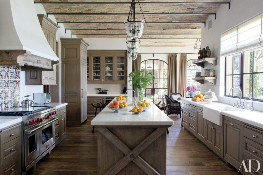 Stainless steel accents for kitchen