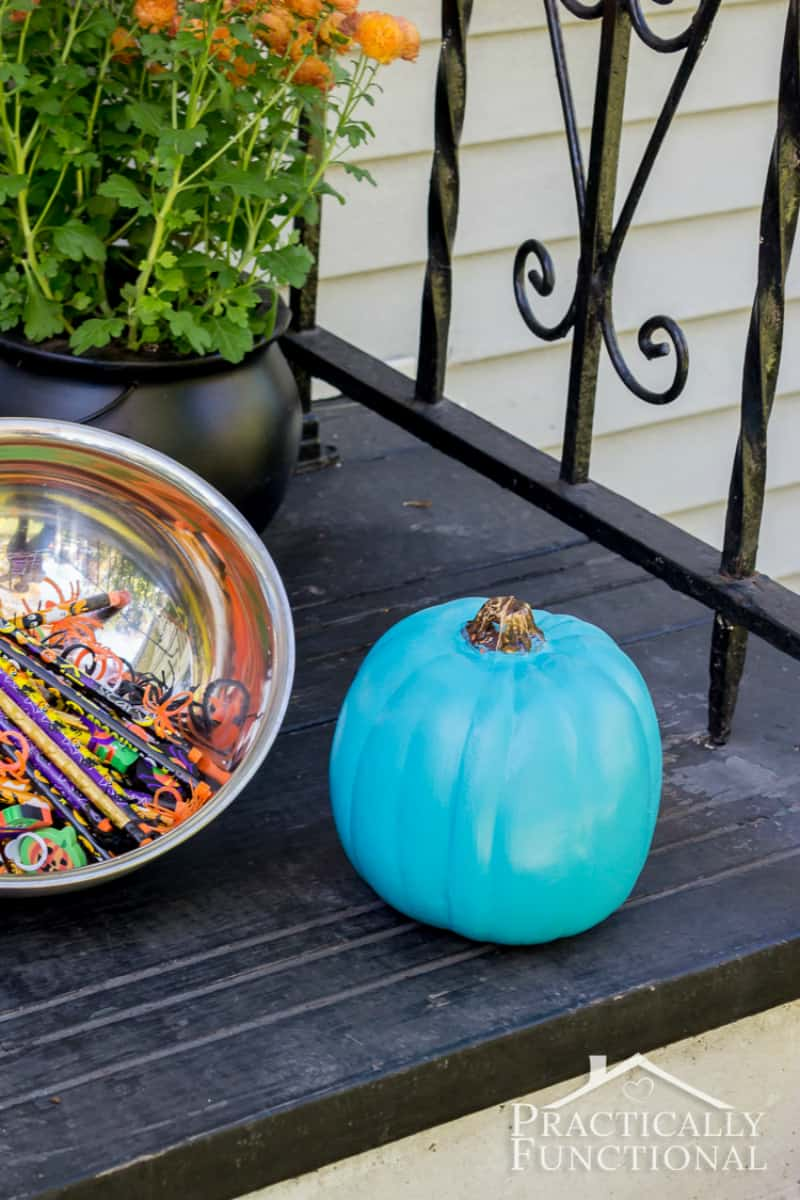 Teal pumpkin No Carve Pumpkin Decorating Ideas for Thanksgiving and Halloween