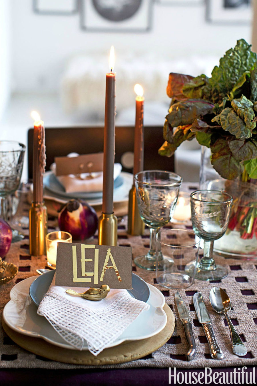Trendy metallics in a fall tablescape