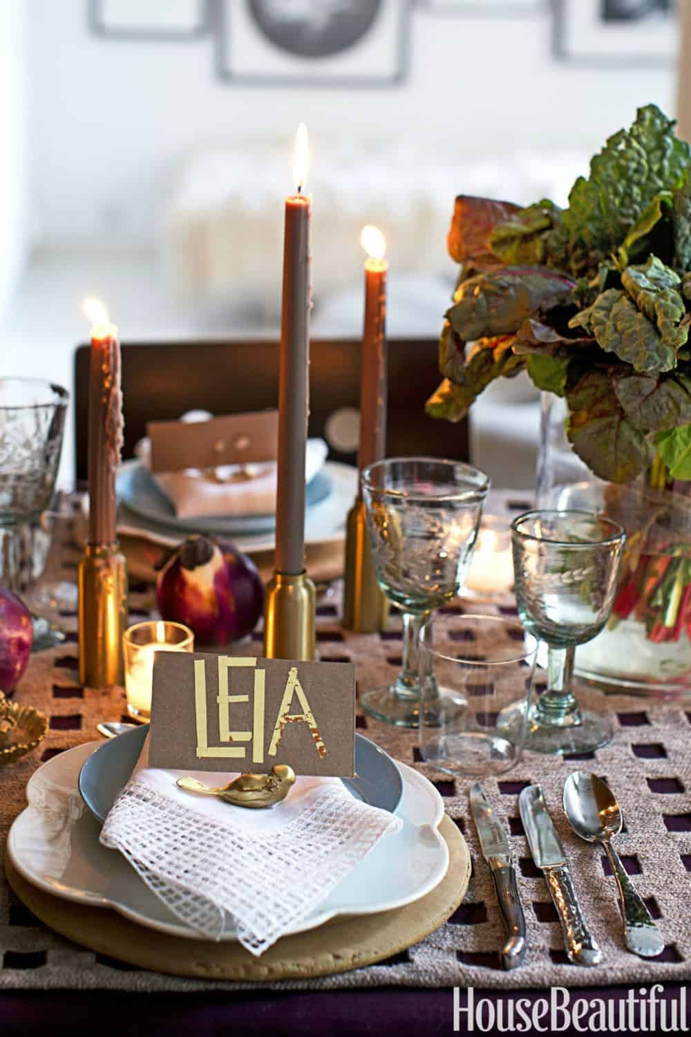 trendy-metallics-in-a-fall-tablescape