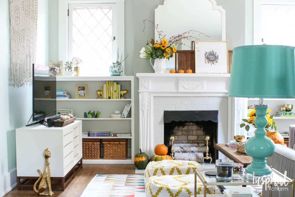 White living room fall decor
