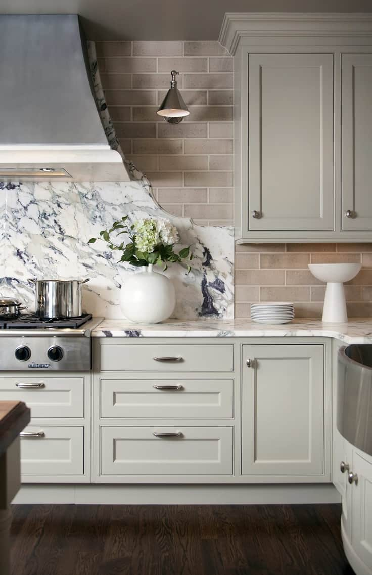 traditional-marble-kitchen-countertop