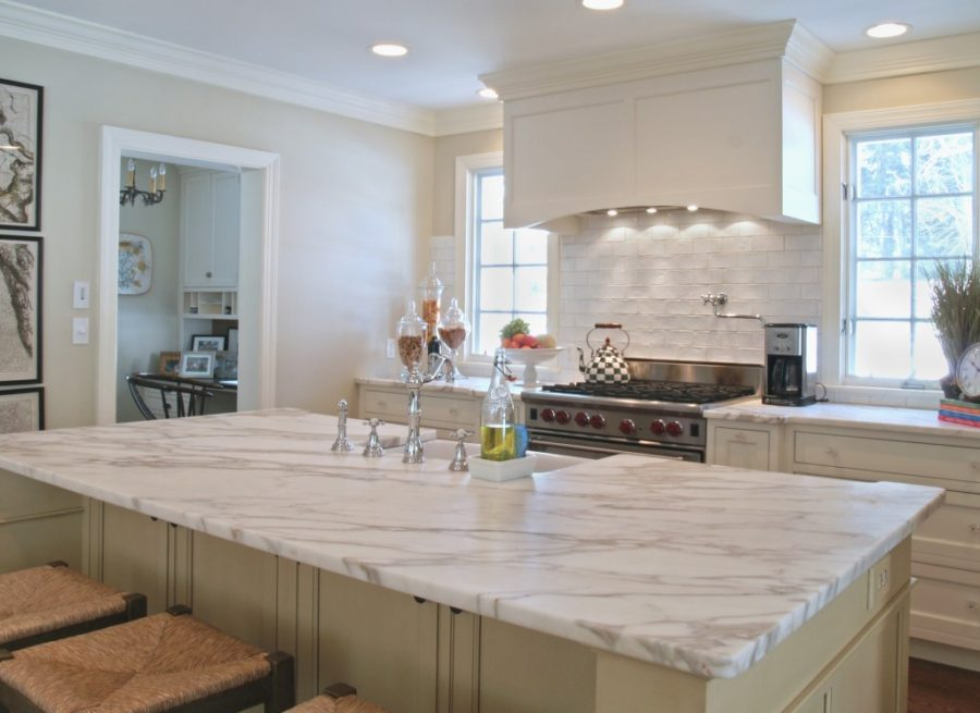 white marble kitchen countertop 900x655 36 Marbled Countertops To Ignite Your Kitchen Revamp