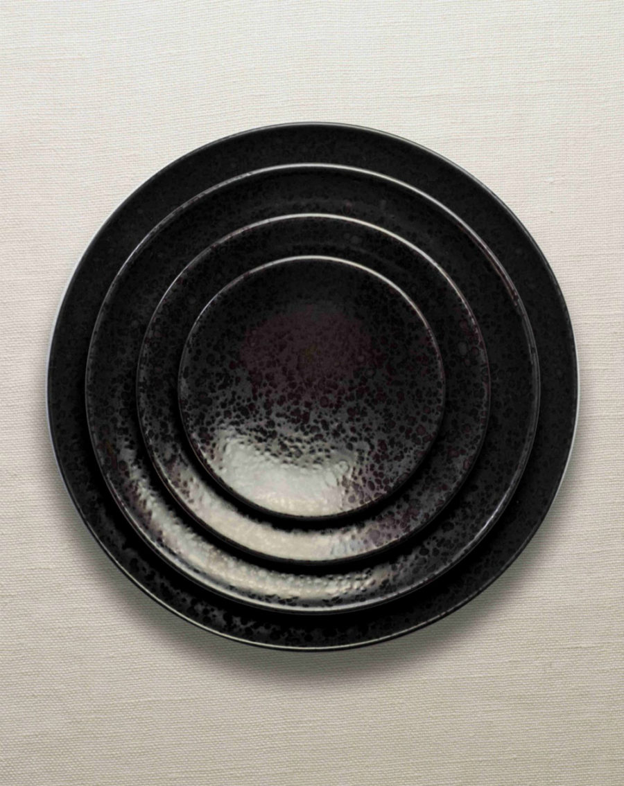 Alchimie black dinnerware collection