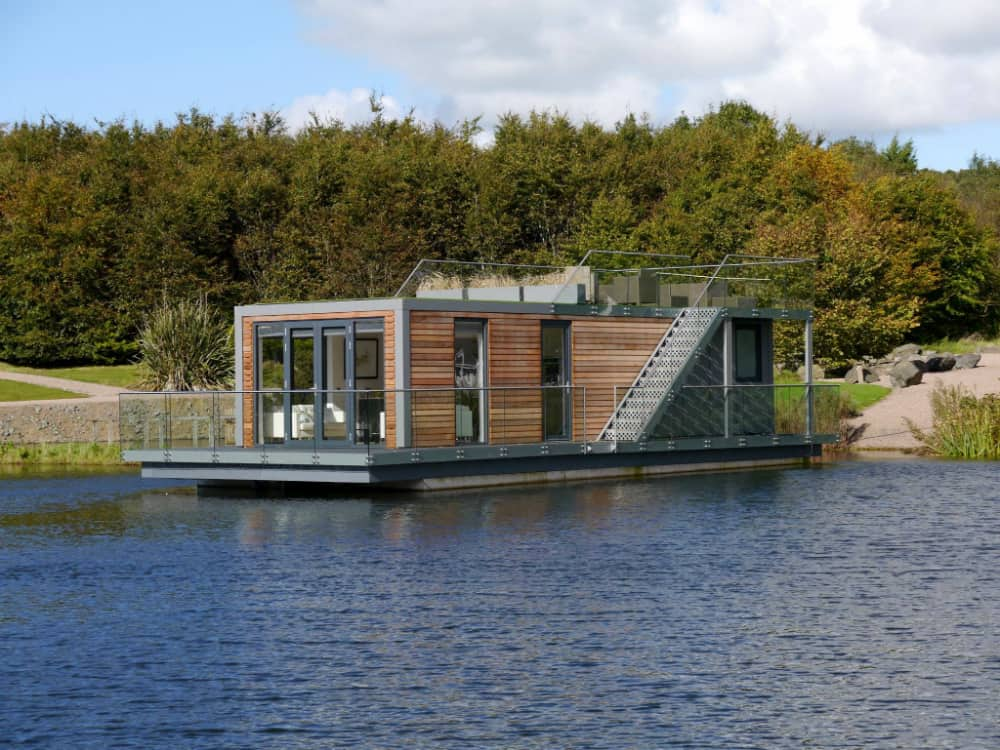 Bluefield Houseboat