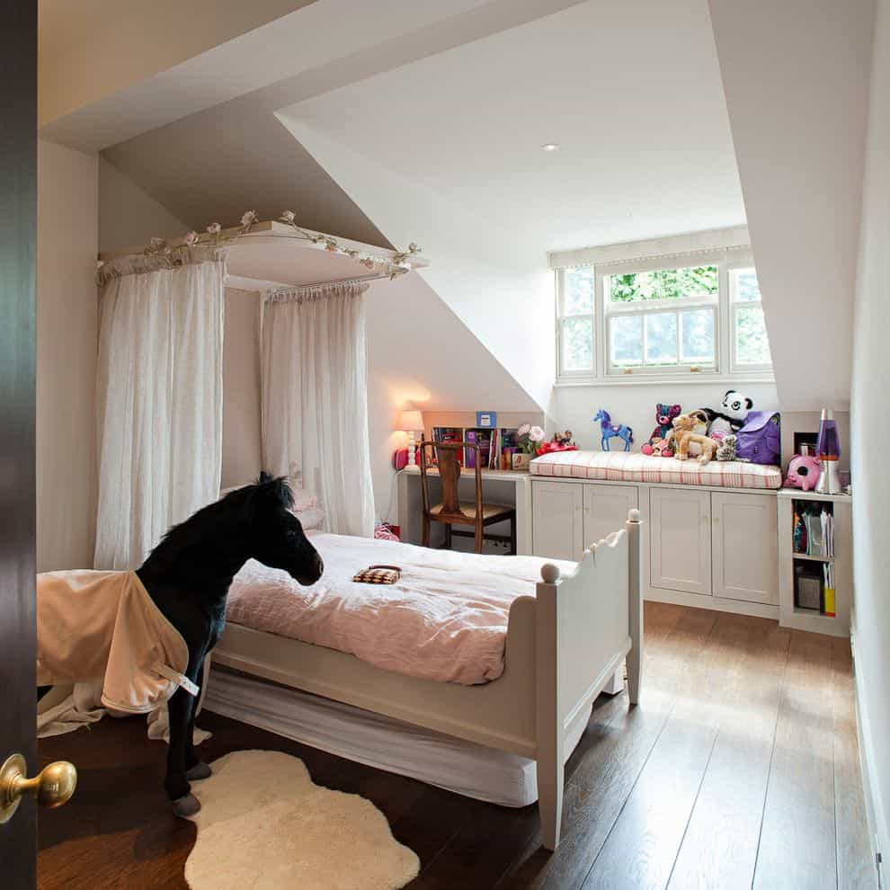 Canopy bed for girl room