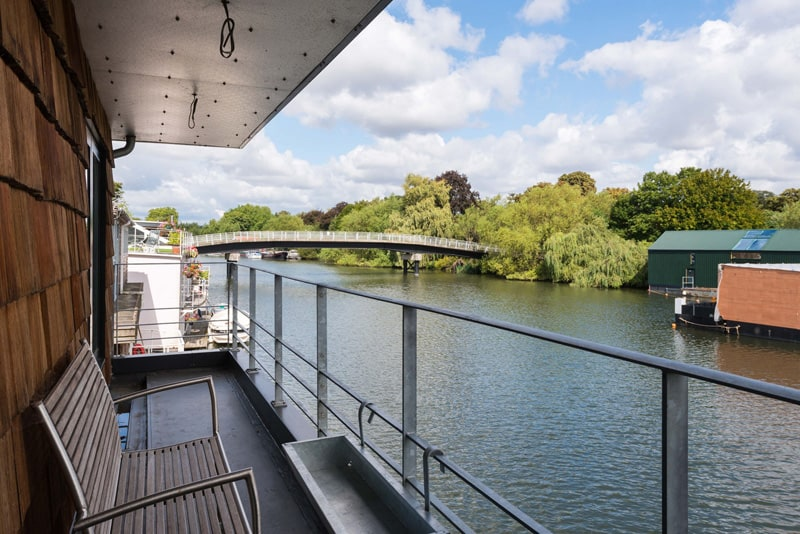 Contemporary houseboat deck