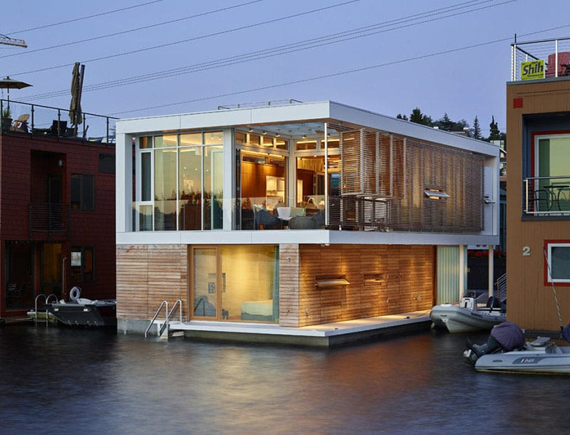 Floating house in Seattle by Vandeventer + Carlander Architects,