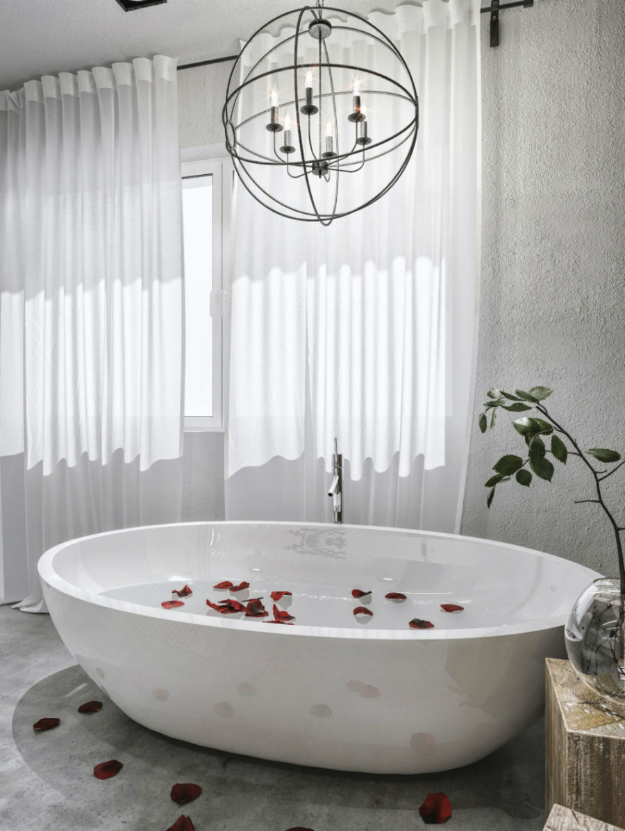 Freestanding spa bathtub