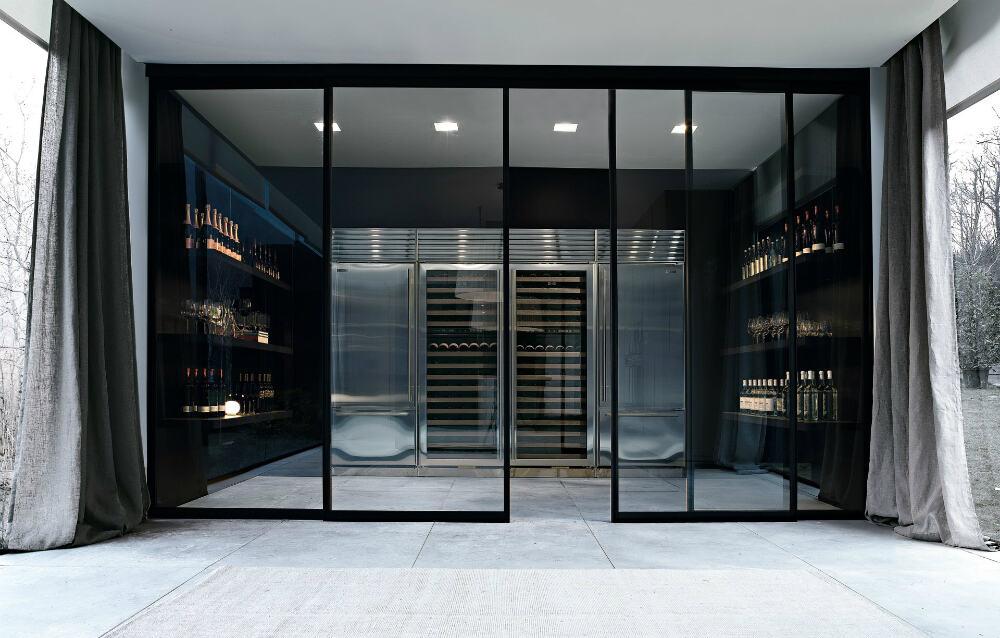 Glass wine room