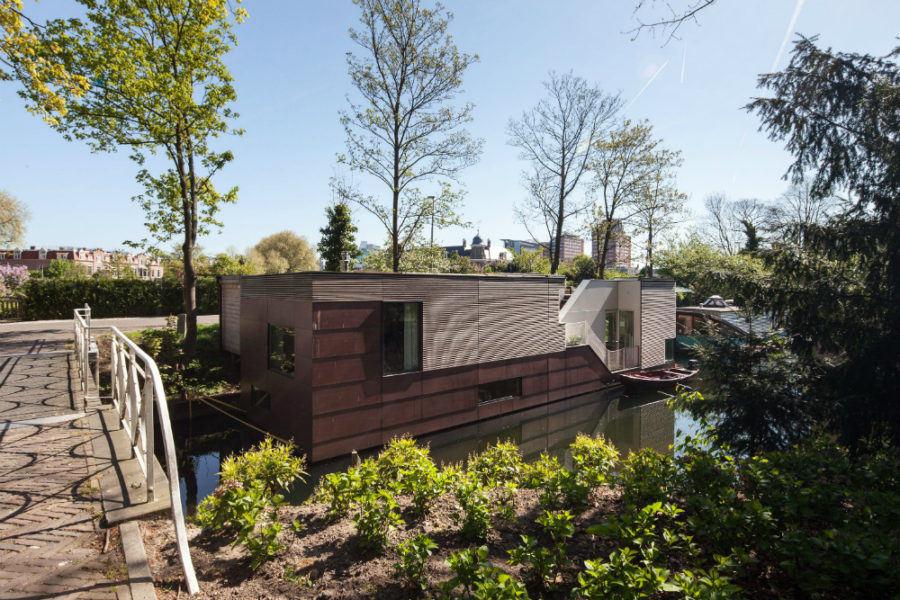 Houseboat by BYTR Architecten