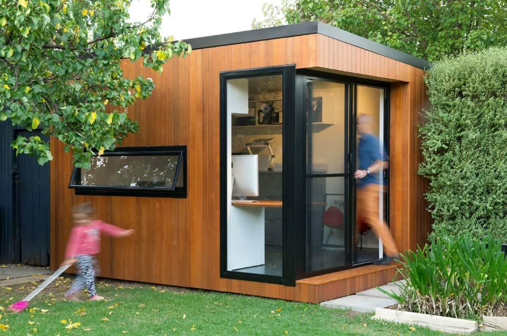 Inoutside backyard office