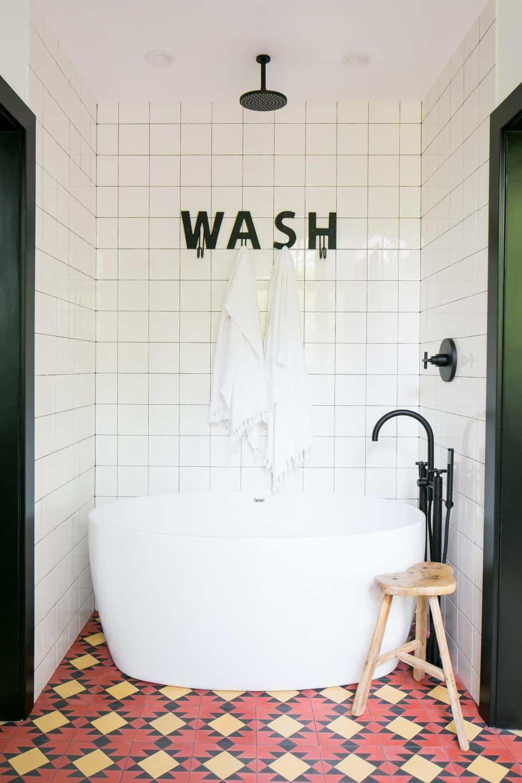 Mid-century modern bath by Prairie