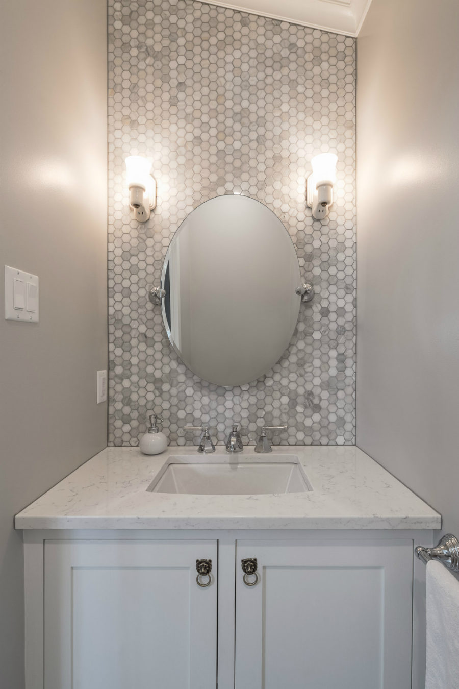 30 Great Pictures And Ideas Of Neutral Bathroom Tile: Unique Powder Rooms To Inspire Your Next Remodeling