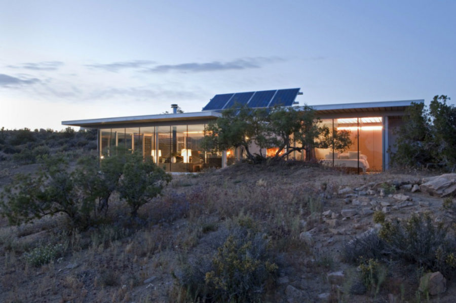 Off grid itHouse by Taalman Koch 900x599 Contemporary Vacation Houses Youd Want to Make Your Home