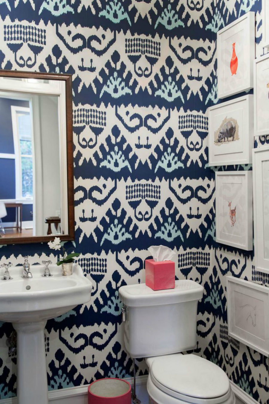 Patterned powder room