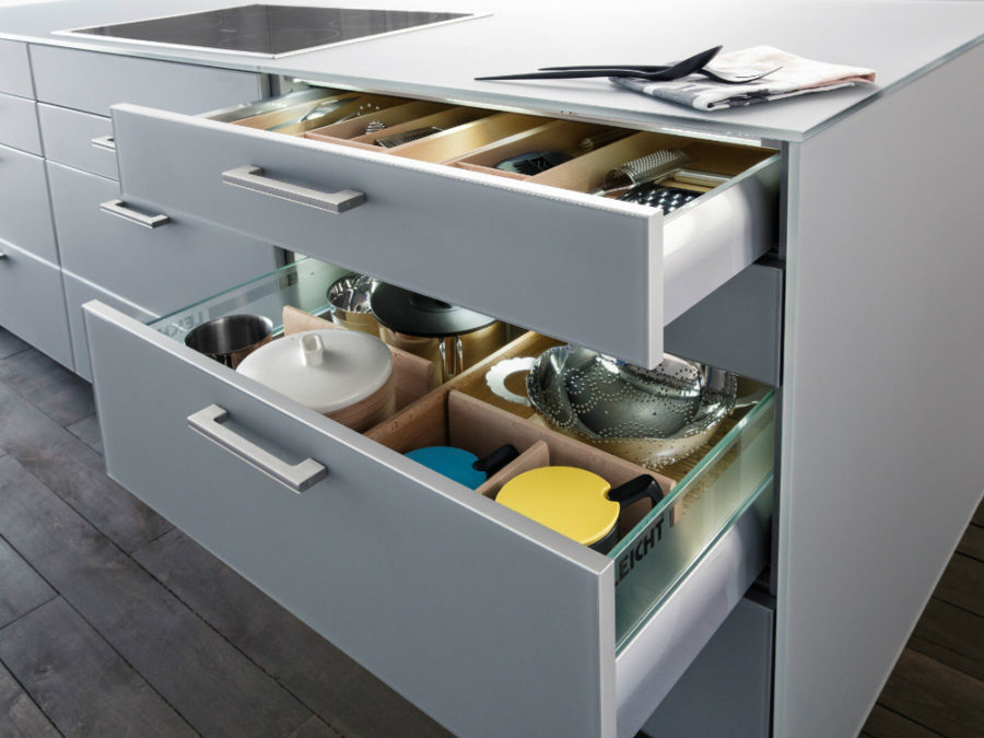 Pull out well-organized drawers